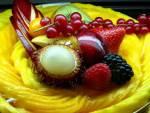 Рецепт: Торт малиновый с марципаном.